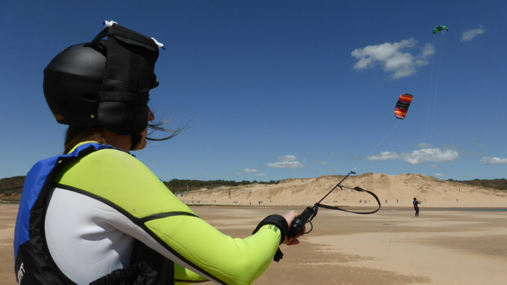 kite à la tranche sur mer
