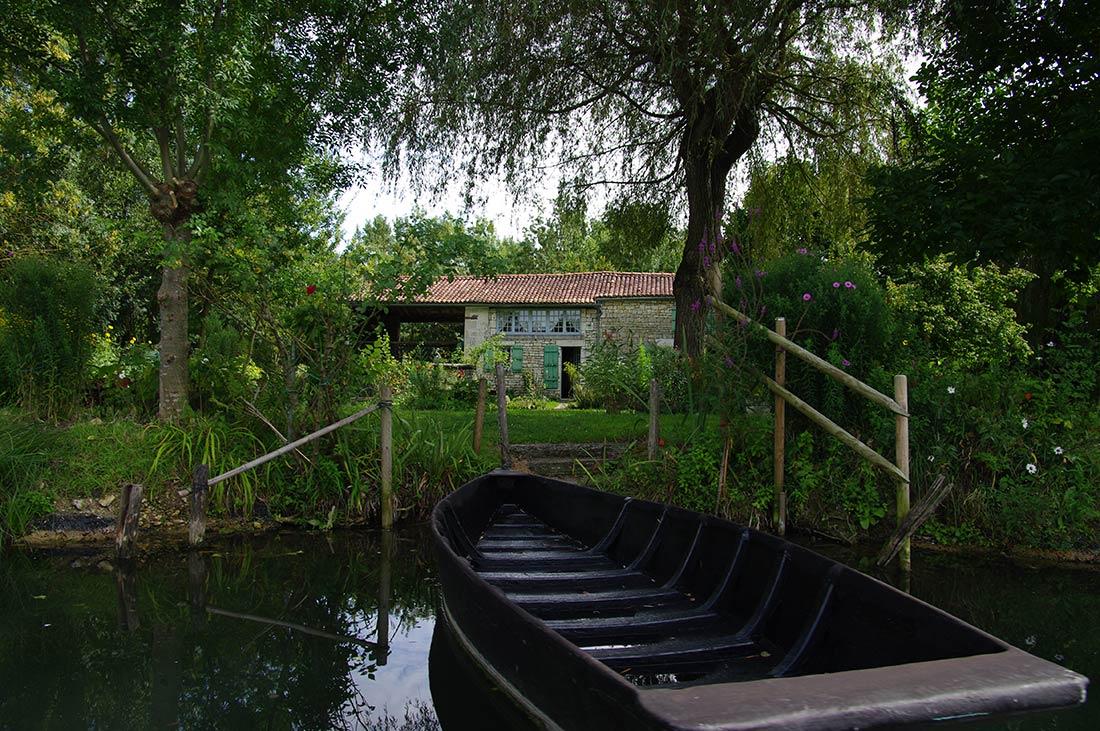 jolie maison du marais poitevin près du camping les Ramiers