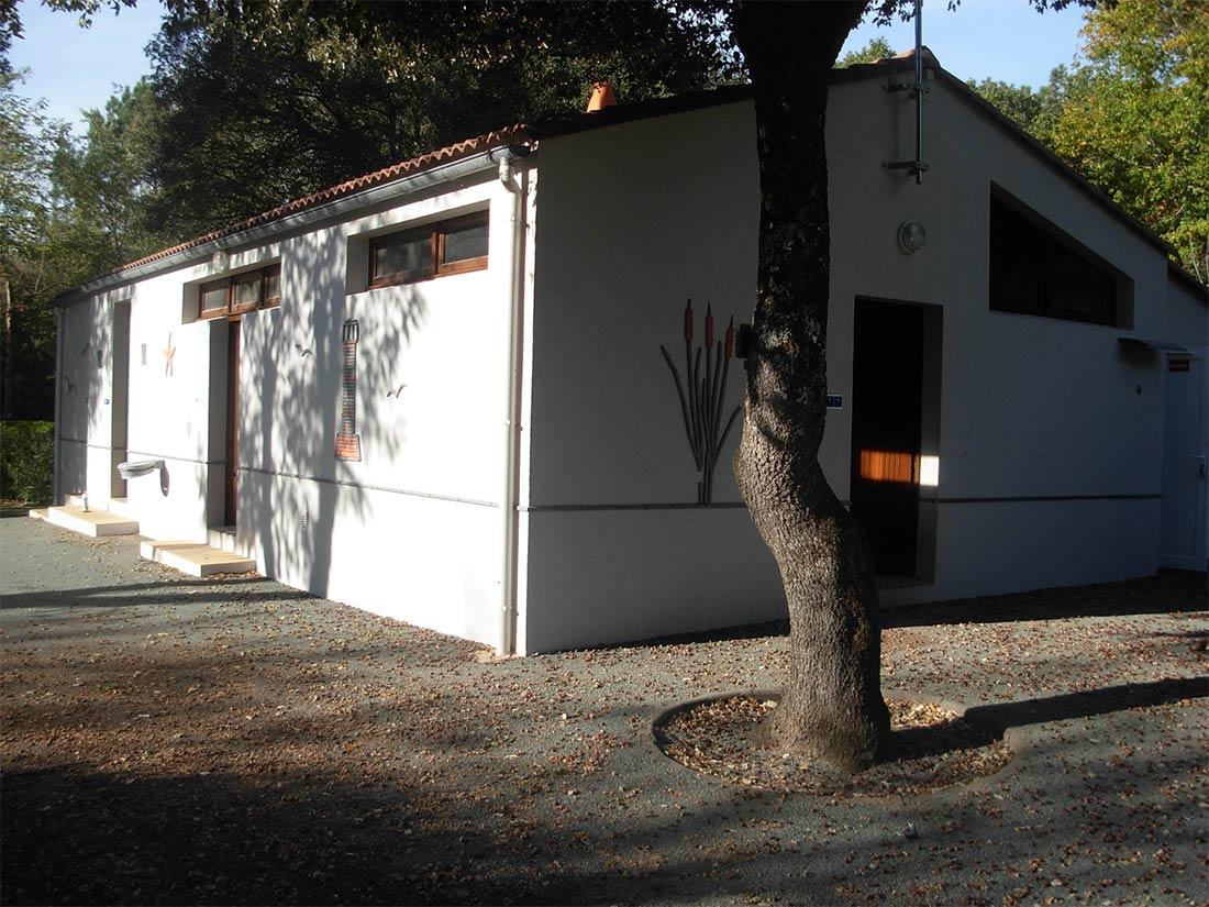 camping à Longeville sur Mer sanitaires