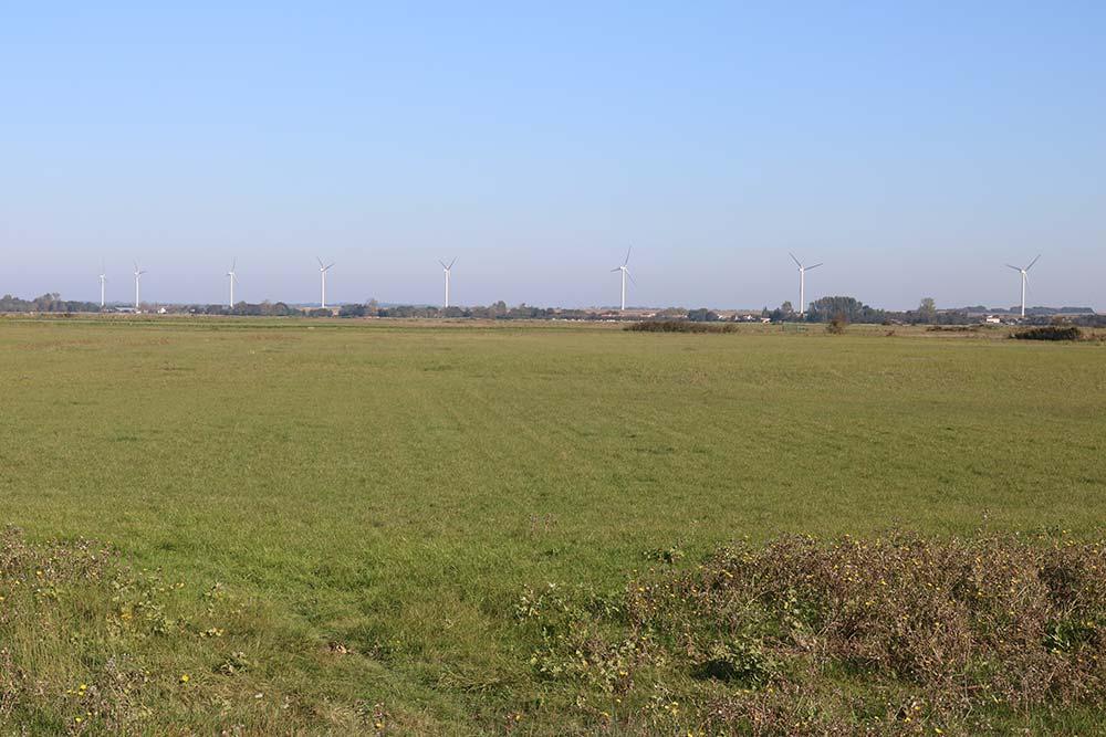 éoliennes près du camping les Ramiers
