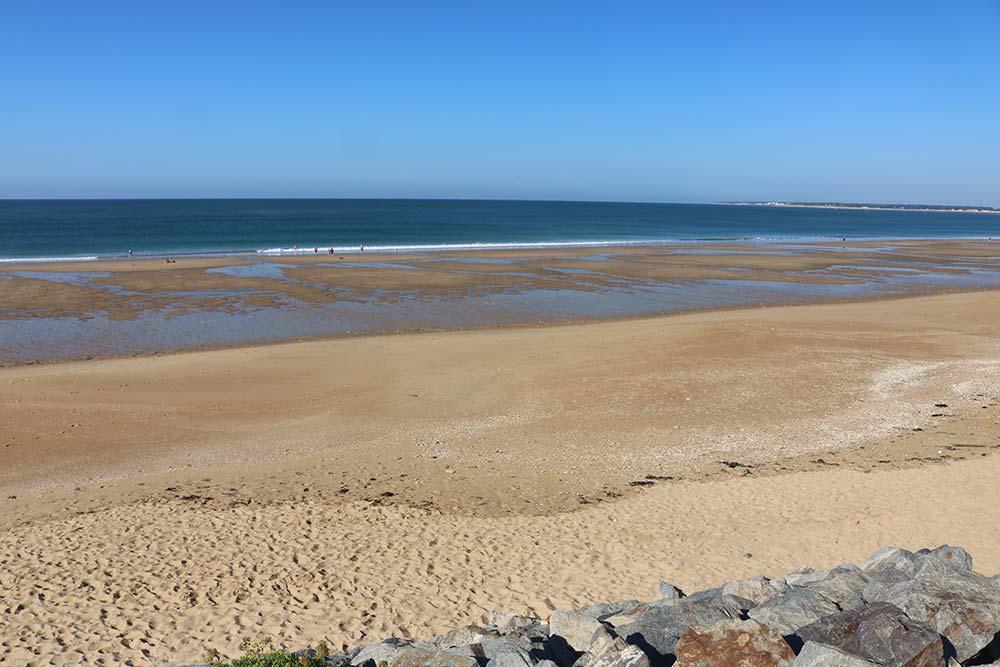 plage à marée basse près du camping les Ramiers
