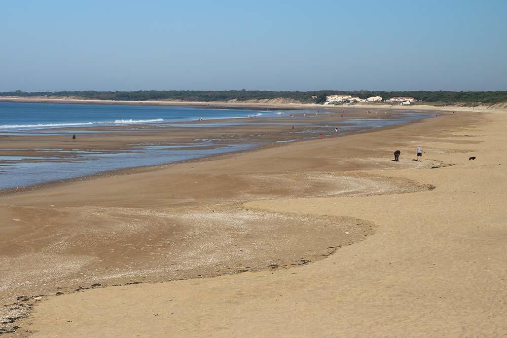 la plage du rocher près du camping les Ramiers