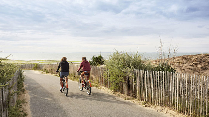 camping calme et pistes cyclables Longeville sur Mer