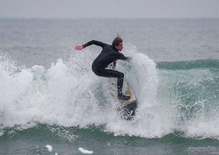 camping proche d'une plage de surf
